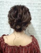 ふわふわ編み込みまとめ髪