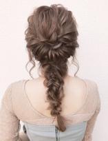 ゆるさが可愛い編みおろしヘア