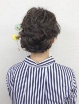 大人可愛いゆるいまとめ髪