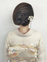 アシンメトリーな和髪スタイル