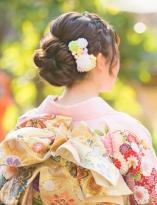 編み込みカチューシャのアップヘア