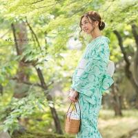 青緑色 蘭と小花