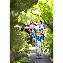C1613 紺色 カラーの花